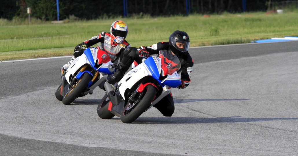 LifeMotorcycle: tour and racetrack experience