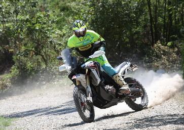 Honda Africa Twin Rally: prova offroad della Limited Edition