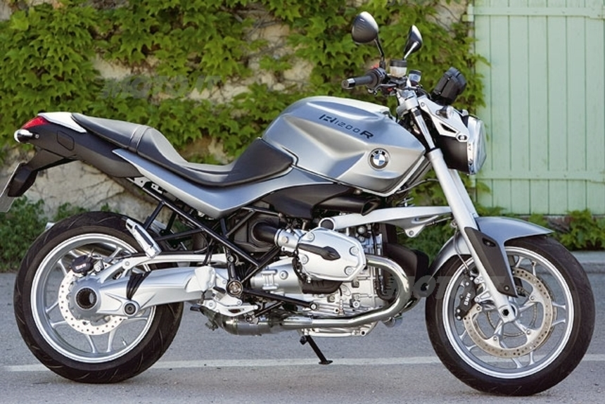 bmw r 1200 r street fighter bmw r 1200 r streetfighter 2016 modellnews bmw r 1200 r. Black Bedroom Furniture Sets. Home Design Ideas