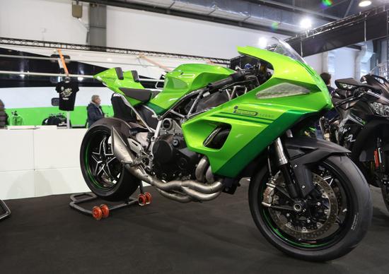 Motor Bike Expo 2016. Kawasaki espone a Verona special da vertigine