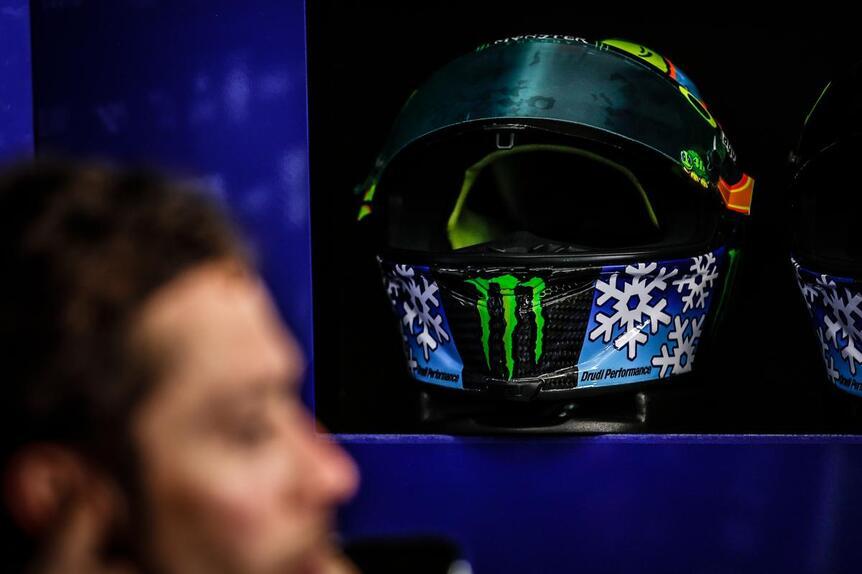 MotoGP. Il casco #SepangTest di Valentino Rossi (3)