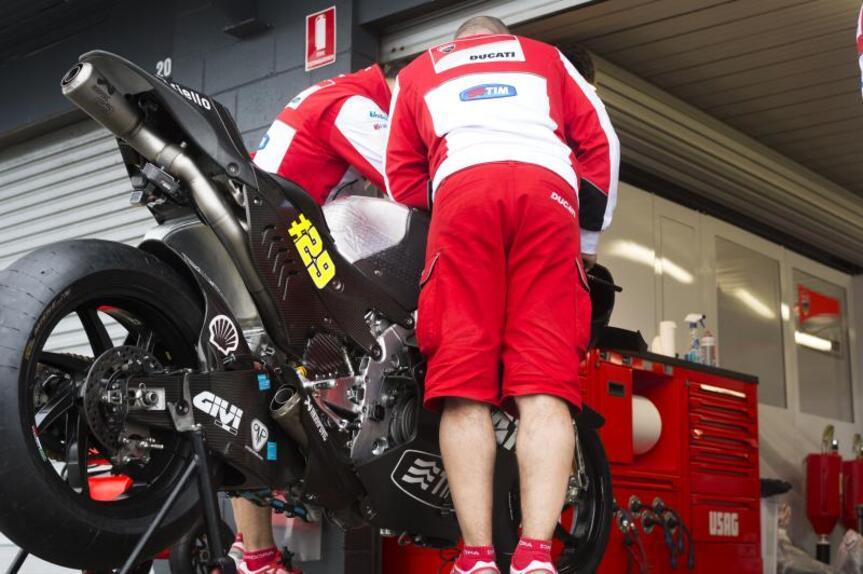MotoGP, test Phillip Island: prima giornata rovinata dalla pioggia (5)