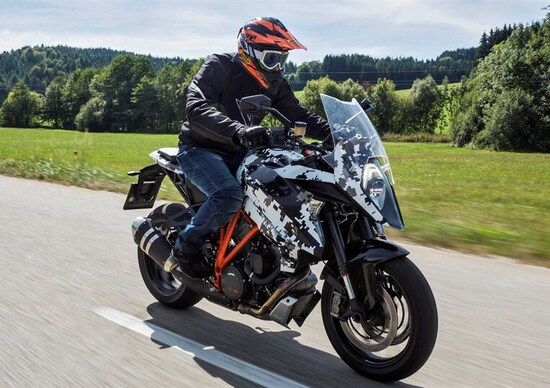 KTM Super Duke 1290 GT: la conferenza stampa live