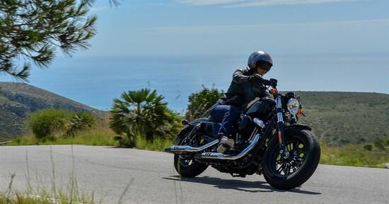 Donne in moto: look, consigli e modelli da seguire!