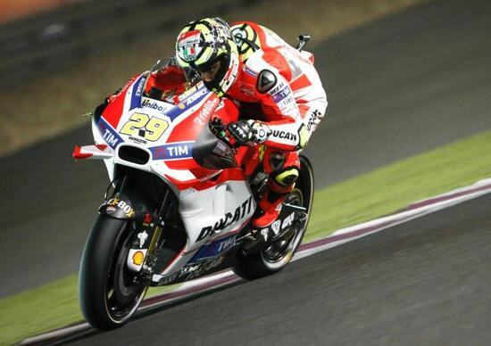 MotoGP 2016. Qatar FP3. Iannone è il più veloce