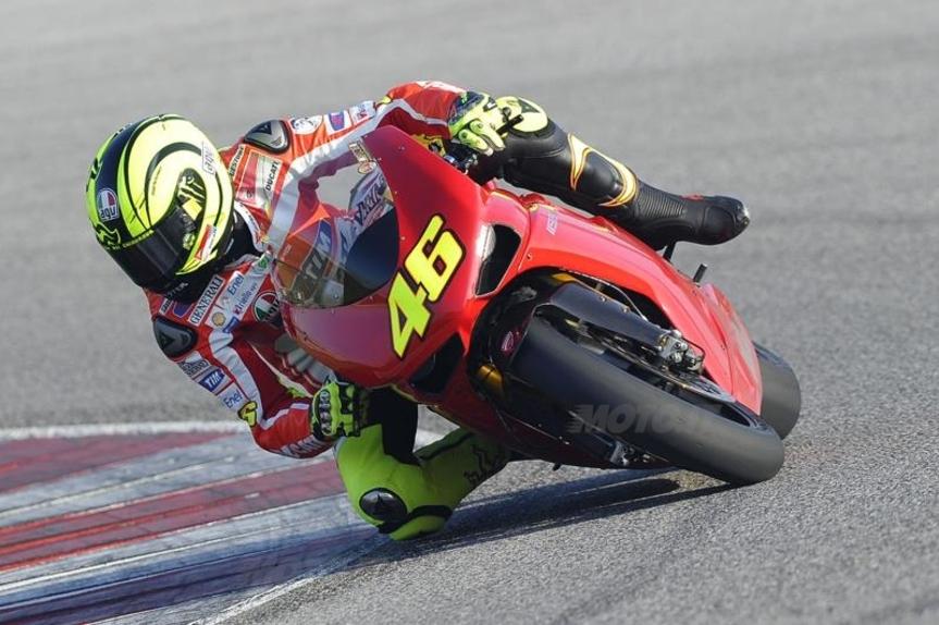 Valentino Rossi in sella alla DUCATI 1198 SP 2011