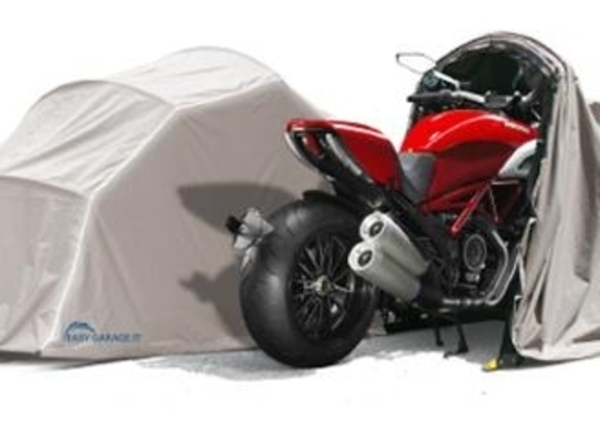 Garage pieghevole per moto easy garage accessori for Garage preparation moto
