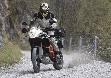 KTM 1050, 1190, 1290 Adventure: test!