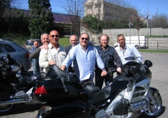 Gerry Scotti ha ritirato la sua nuova Honda Goldwing da Macchion