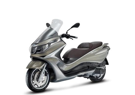 Piaggio X10, la parola ai concessionari - News - Moto.it