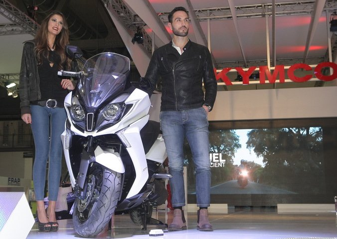 http://images.moto.it/images/296265/HOR_STD/676x/kymco-downtown-350i-2015.jpg