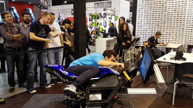 Prova a piegare con la Yamaha M1 di Lorenzo allo stand di Moto.it! - Fiere e saloni - Moto.it