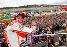 Marquez vince a Valencia, Rossi secondo. Anche nel mondiale