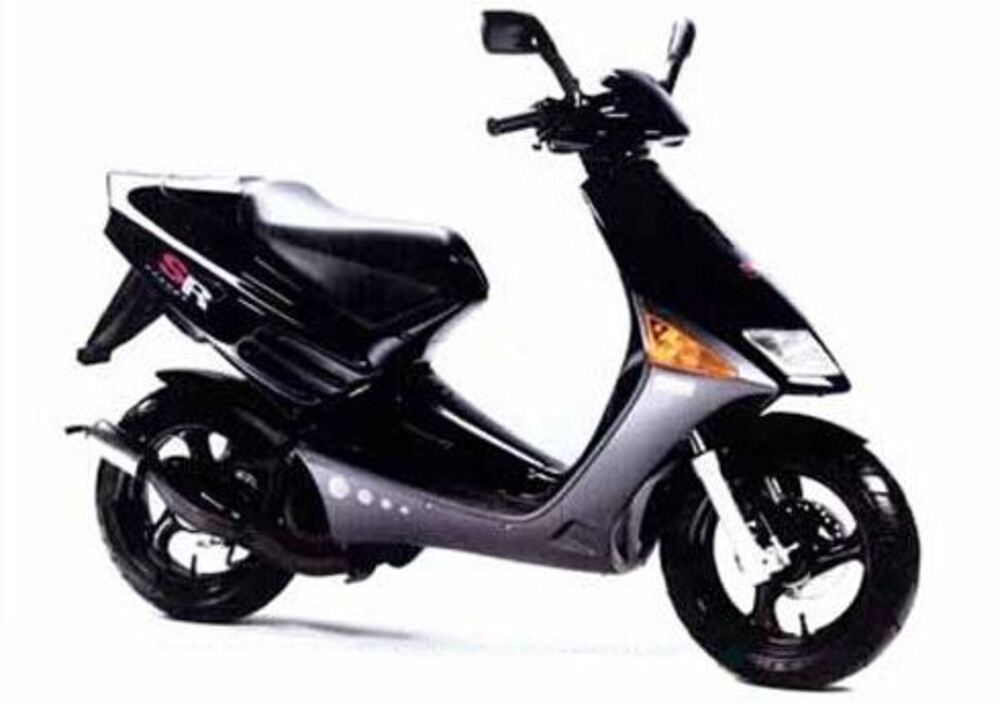 pin aprilia sr 50 r silver scooter lamotovitacom on pinterest. Black Bedroom Furniture Sets. Home Design Ideas