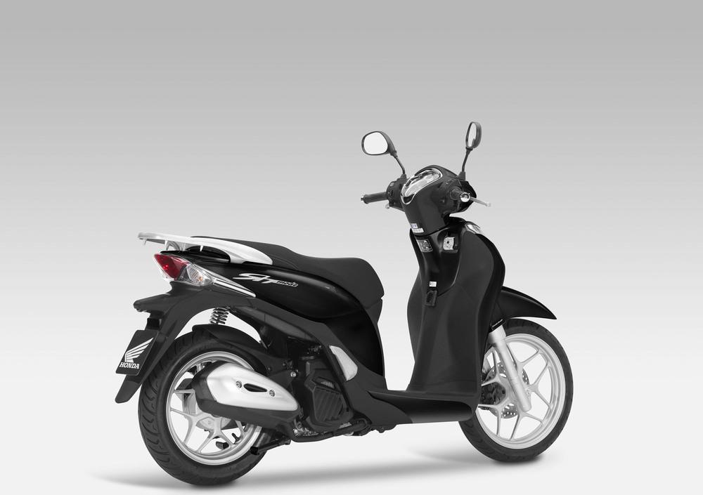 Honda SH Mode 125 (2013 -16) (2)