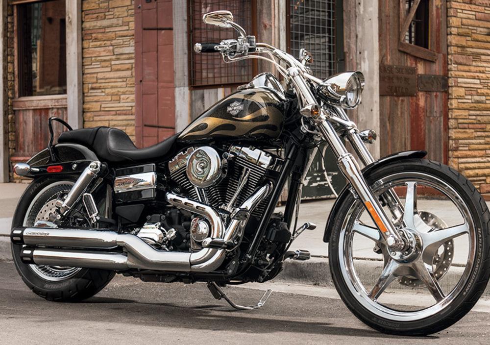 Harley-Davidson FXDWG Wide Glide (2010 - 15) (2)