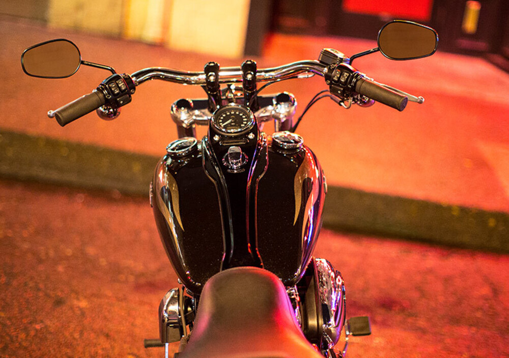Harley-Davidson FXDWG Wide Glide (2010 - 15) (4)