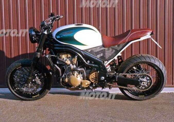 Le Strane di Moto.it: VFR 750F naked - News - Moto.it