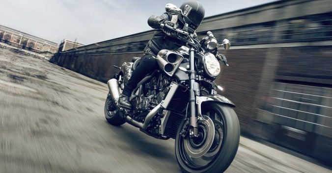 Yamaha VMAX Carbon dinamiche   03