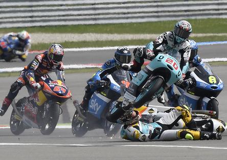 MotoGP 2016. Le foto più spettacolari del GP d'Olanda 2016