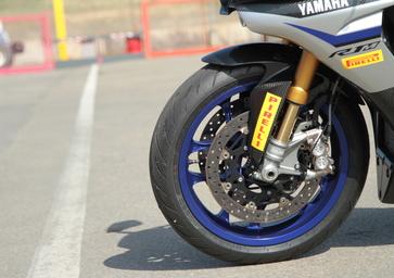 Supersportive: speciale pneumatici Pirelli Diablo Rosso III e Diablo Supercorsa SC