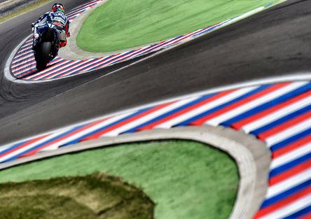 Storie di MotoGP. Zaffelli: Il circuito argentino è progettato per 'fregare' i piloti