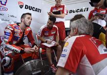 Test Ducati a Misano: distorsione al ginocchio per Dovizioso