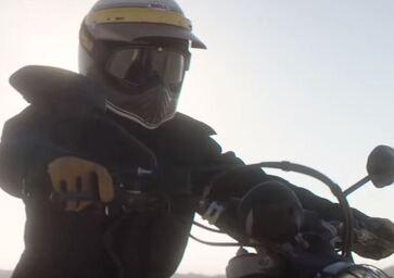 Ducati Scrambler 2017: Desert Sled e Café Racer a Eicma (Video)