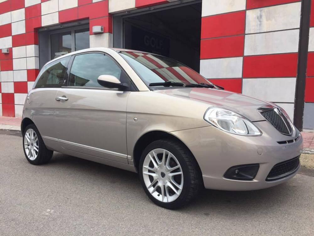 Lancia ypsilon 1 3 mjt 90 cv platino 01 2007 12 2007 prezzo e scheda tecnica - Lancia y diva 2010 scheda tecnica ...
