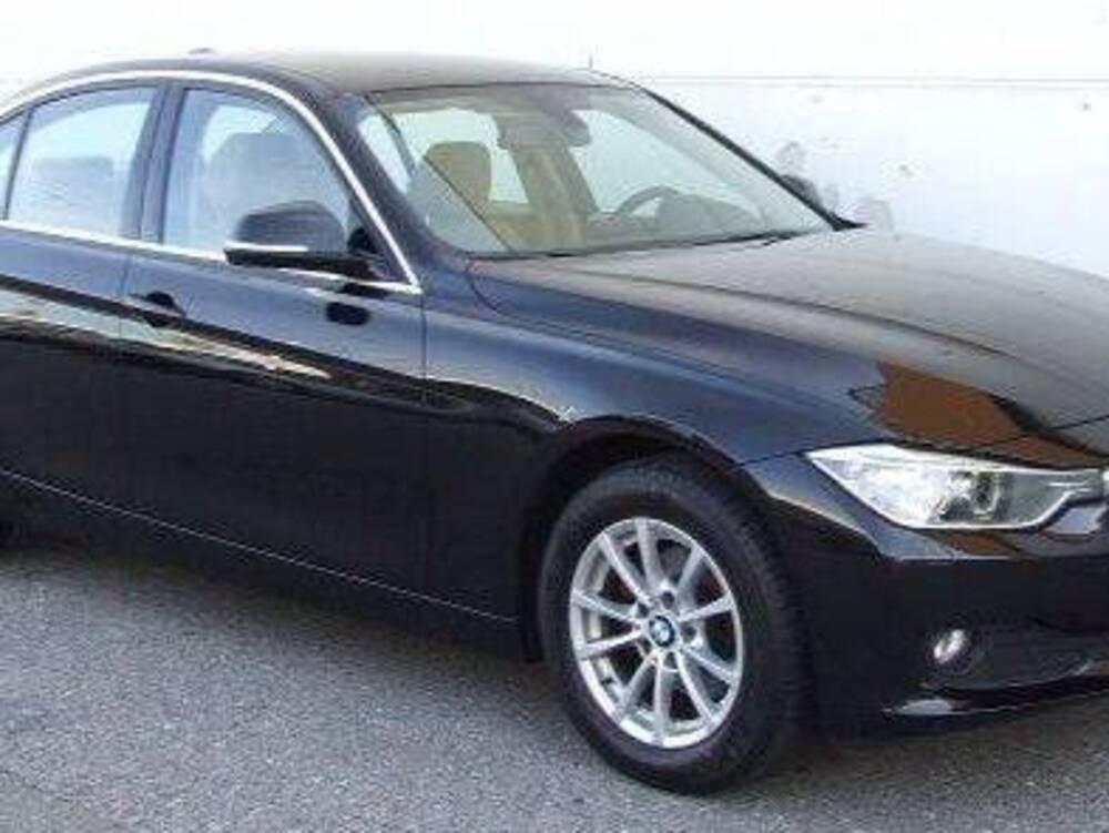 BMW Serie 3 318d 2.0 143CV cat Attiva del 2012 usata a Torino