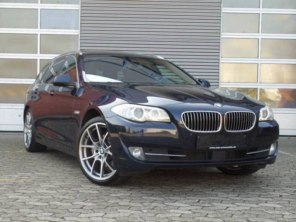 BMW Serie 5 520d del 2012 usata a Torino
