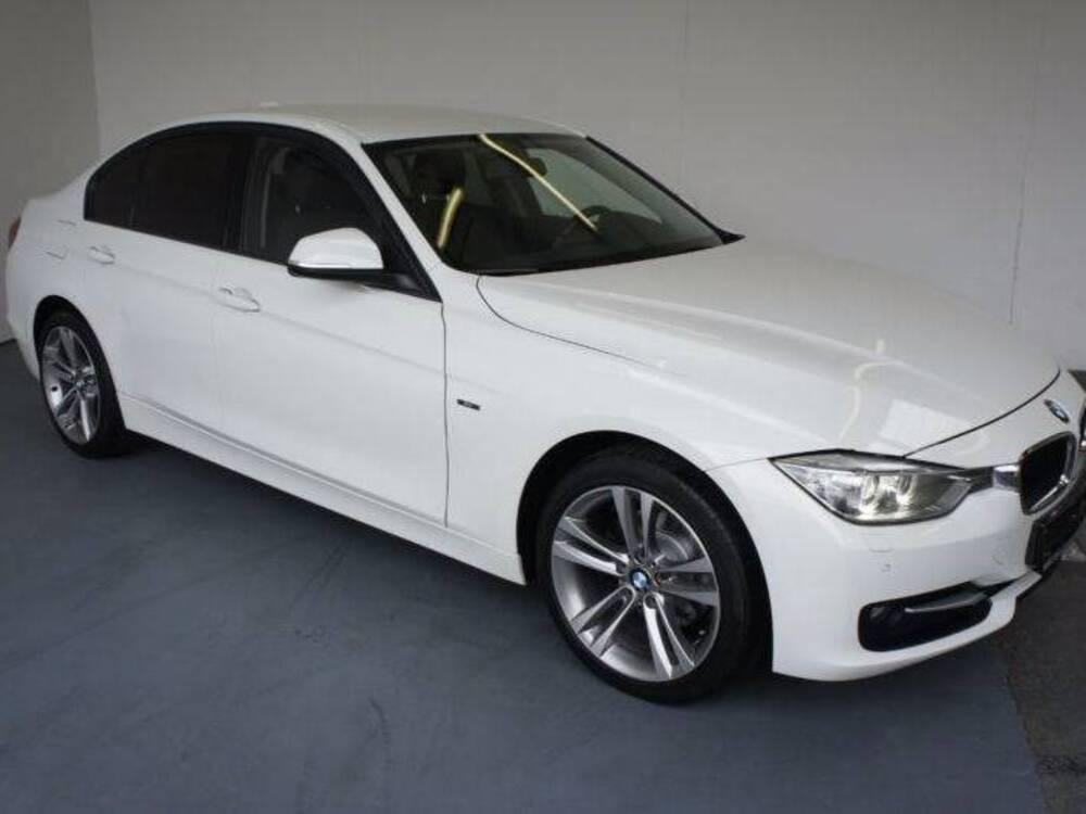 BMW Serie 3 320d Sport del 2013 usata a Napoli usata