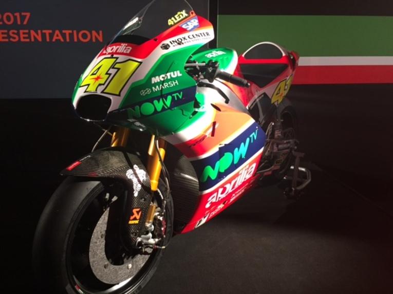 MotoGP 2017. Presentato il team Aprilia (5)