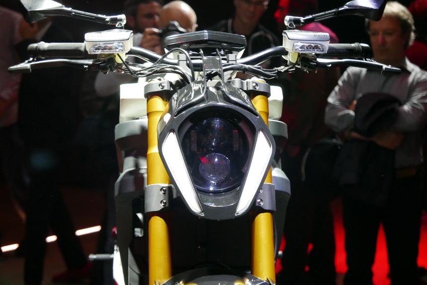 Italian Volt svela Lacama, la moto elettrica sartoriale (5)