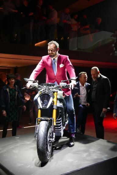 Italian Volt svela Lacama, la moto elettrica sartoriale (3)