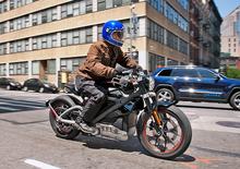 Il fighetto e la moto elettrica