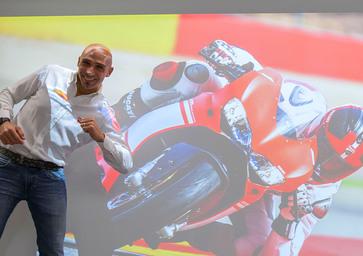 Ducati Superleggera, Alessandro Valia: 2 secondi più veloce